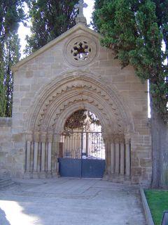 Portail de l'hopital à Navarette
